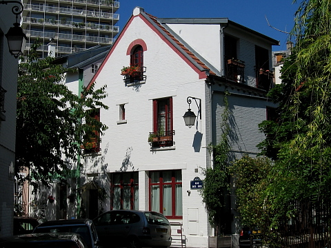 Montsouris cite floreale rue iris.jpg