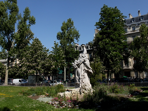 Parc Monceau place du general catroux.jpg