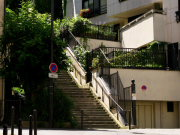 Buttes Chaumont rue tagrine.jpg