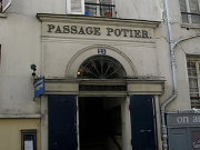 Palais Royal passage pottier.jpg