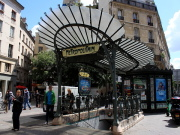 Palais Royal station guimard chatelet.jpg