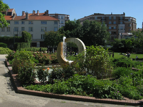 Mnilmontant square menilmontant.jpg