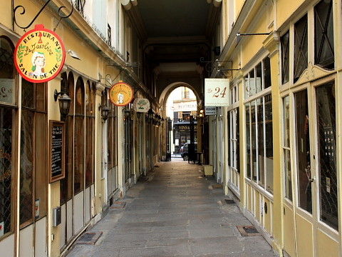 Quartier Latin commerce saint andre.jpg