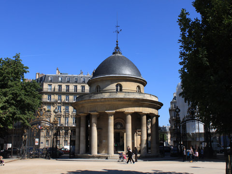 Parc Monceau temple monceau.jpg
